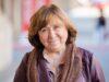 Svetlana Aleksiévitch, vencedora do Nobel, escreve livro sobre 'revolução com um rosto de mulher'