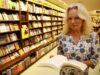Lucinda Riley, autora de 'As Sete Irmãs', morre aos 55 anos